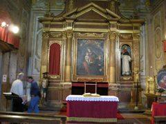 教会堂の中の展示物