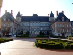 国際大学の中心施設