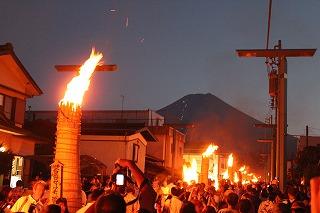 吉田の火祭り(山梨県富士吉田市) (写真協力:一般財団法人ふじよしだ観光振興サービス)